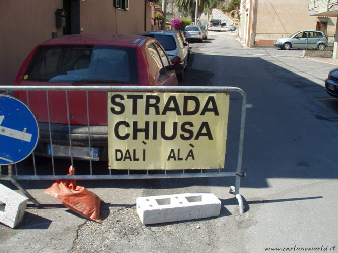 cartello strada chiusa